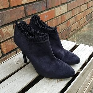 Paprika black heeled booties